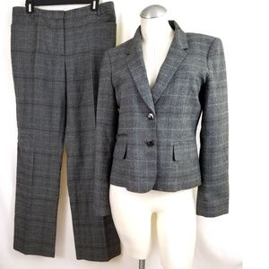 Dana Buchman Size 8 10 Black Gray Plaid Pant Suit
